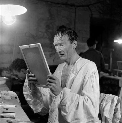 Jean Vilar dans sa loge, L'Avare (1952)