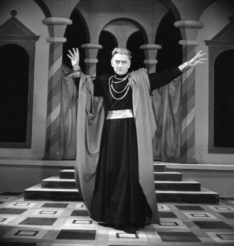 Jean Vilar dans Henri IV de Pirandello. Paris, théâtre de l'Atelier, octobre 1950.