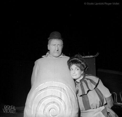 Ubu roi d'Alfred Jarry. Mise en scène de Jean Vilar. Georges Wilson et Rosy Varte. Paris, TNP, mars 1958