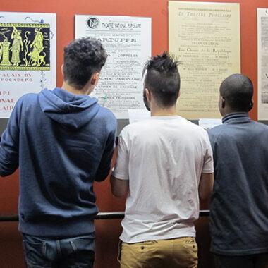 Photo de jeunes dans le théâtre TNP