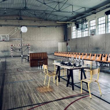 Oneguine dans un gymnase